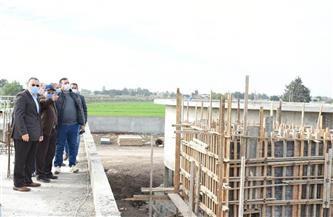 محافظ الشرقية يتفقد أعمال إنشاء محطة معالجة صرف صحي بالزقازيق |صور