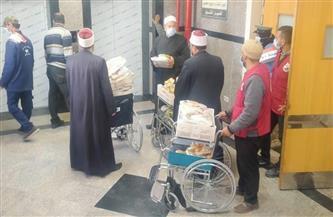 أوقاف دمياط تقدم 600 وجبة في زيارة للمرضى في المستشفيات | صور