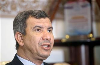 وزير النفط العراقي يؤكد التزام بلاده بقرار خفض إنتاج النفط