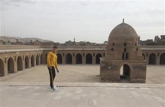 اثنان من أهم مدوني المملكة المتحدة في الأهرامات وسقارة | صور
