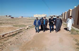 مدينة مطروح: معاينات لشوارع منطقتي الخروبة ووادي الرمل تمهيدا لرصفها| صور