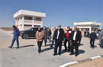 محافظ أسيوط يتفقد محطة معالجة صرف صحي منفلوط بالظهير الصحراوي | صور