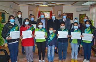 تعليم بورسعيد تكرم 7 طلاب أعضاء بالمكتب التنفيذي في مدرسة التيمورية | صور