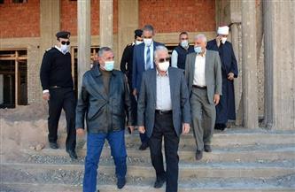 محافظ جنوب سيناء يتفقد أعمال رفع كفاءة مسجدي السلام والروضة بطور سيناء | صور