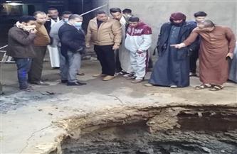 هبوط أرضي يبتلع سيارة غرب الإسكندرية ومصرع قائدها |صور