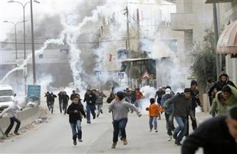 إصابة عشرات الفلسطينيين بالاختناق خلال مواجهات مع الاحتلال الإسرائيلي بالضفة الغربية