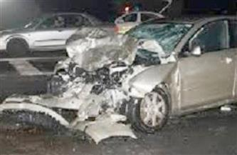 إصابة شخصين في حادث تصادم سيارتين بالأوتوستراد