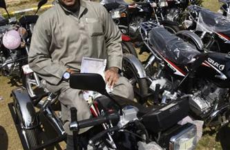 محافظ بني سويف يوجه بإنهاء إجراءات دراجات ذوي الإعاقة