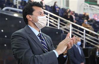 أشرف صبحي مشجع بدرجة وزير فى لقاء مصر والاتحاد الروسي
