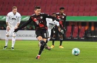 بايرن يعزز صدارته للدوري الألماني بفوز صعب على أوجسبورج