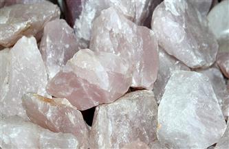 إحباط تهريب أكثر من 14 طن أحجار يستخلص منها خام الذهب بأسوان