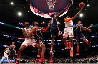 رندل يقود نيويورك نيكس للفوز على أتلانتا هوكس في دوري كرة السلة الأمريكي