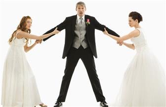 """هاشتاج «معا لدعم قانون منع تعدُّد الزوجات» يطالب بـ""""حبس"""" الزوج الذي يتزوج أخرى دون علم الأولى"""