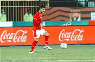 أحمد أيوب وسيد معوض يتابعان مباراة الأهلي والمقاولون العرب