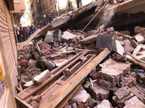 محافظ الغربية يتفقد موقع انهيار عقار المحلة الكبرى | فيديو وصور