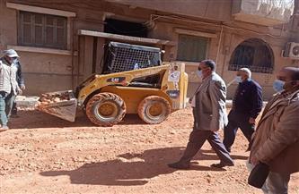محافظ أسيوط: متابعات لأعمال الرصف بالمراكز والأحياء.. والسكرتير المساعد يتفقد شوارع حي شرق| صور