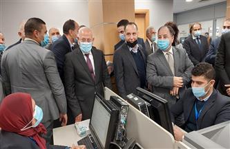 وزير المالية ومحافظ بورسعيد يتفقدان المركز اللوجستي بميناء بورسعيد | صور