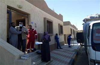 نقل 57 أسرة من المناطق داهمة الخطورة إلى رأس غارب   صور