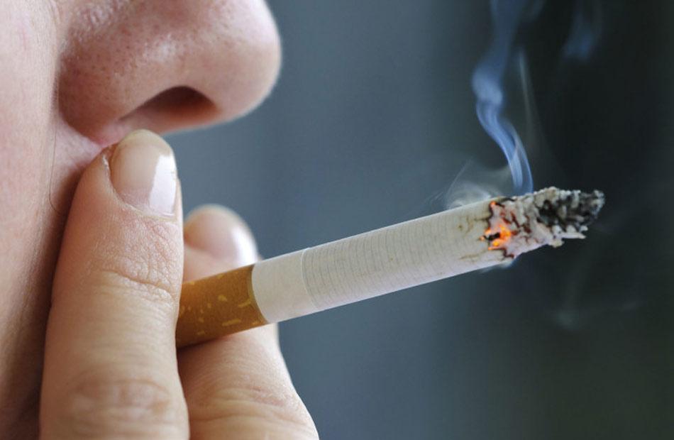 دراسة المدخنون أكثر عرضة بنسبة   للوفاة بسبب الإصابة بكورونا