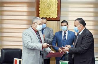 محافظ الشرقية يشهد توقيع بروتوكول لتنفيذ خطة الدولة للقضاء على الأمية| صور