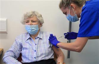 بولندا تبدأ حملة تطعيم كبار السن ضد فيروس كورونا