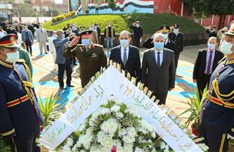 محافظ كفر الشيخ ومدير الأمن يضعان إكليل زهور على نصب شهداء الشرطة | صور