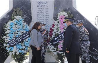 محافظ دمياط تضع إكليلًا من الزهور على النصب التذكاري للشهداء | صور