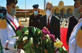 سكرتير عام جنوب سيناء يضع إكليلا من الزهور على النصب التذكاري لشهداء الشرطة | صور
