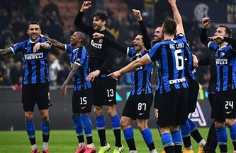 ميلان يهزم روما في مباراة مثيرة ويبقى الصراع على اللقب الإيطالي مشتعلًا