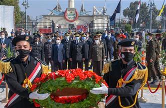 محافظ الإسكندرية يضع إكليل الزهور على النصب التذكاري لشهداء الشرطة | صور