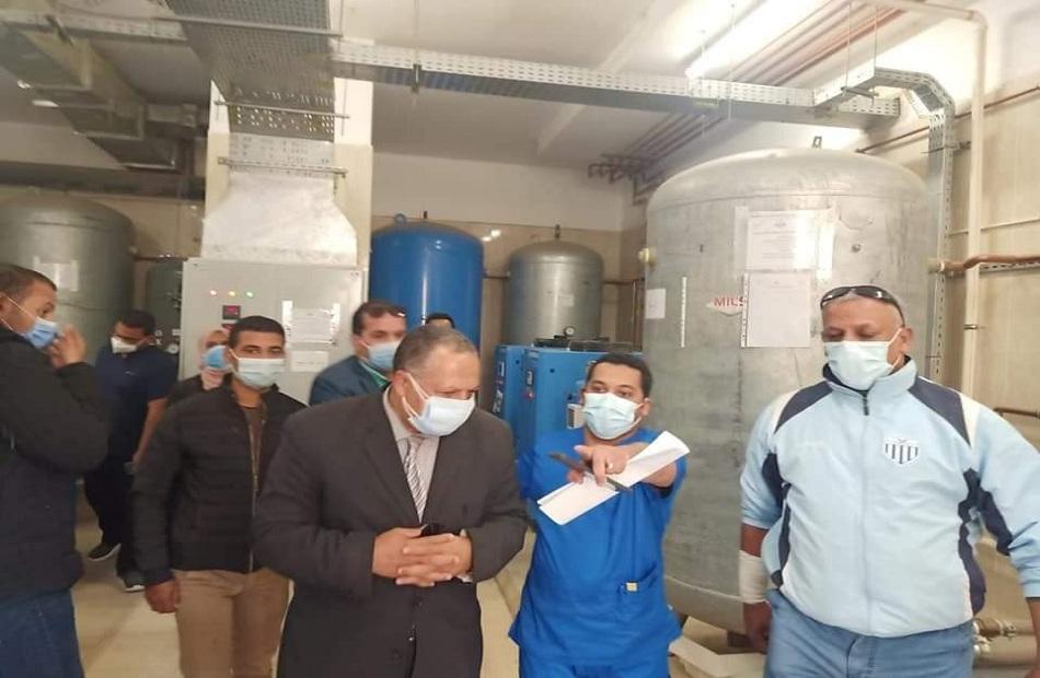 محافظ أسيوط متابعات مستمرة للمستشفيات وشبكات الأكسجين   صور