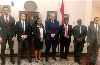 سفير مصر فى دار السلام يلتقي بالمدير التنفيذي لمركز الاستثمار التنزاني   صور