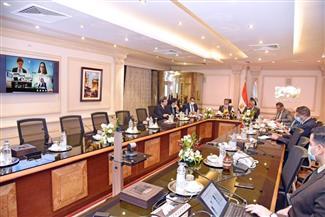 اجتماع وزيري قطاع الأعمال والإنتاج الحربي ورئيس العربية للتصنيع لدراسة إنشاء مصنع إنتاج إطارات المركبات