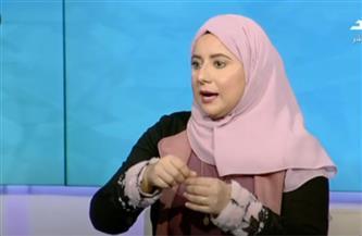 التشكيلية أسماء الصاوي تشرح مراحل صناعة الخزف |فيديو