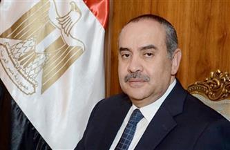 وزير الطيران المدنى يلتقى النائبة غادة عجمى وعدد من المصريين العاملين بالخارج