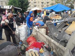 إزالة إشغالات الباعة الجائلين بميدان محطة مصر وسط الإسكندرية| صور