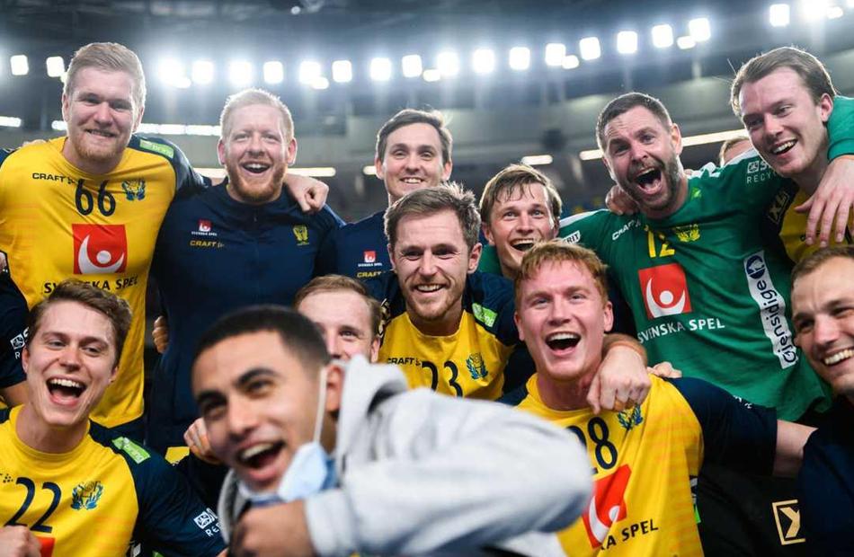 مصريان شاركا المنتخب السويدي مشوار التأهل إلى نهائي مونديال اليد من هما؟