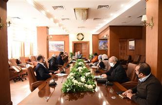 محافظ بورسعيد يتابع سير العمل في تطوير ورفع كفاءة حديقة المنتزه ببورفؤاد |صور