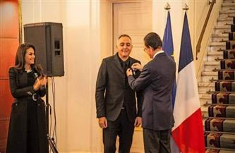 أول تعليق من محمد حفظي بعد تكريمه بوسام الفروسية الفرنسي للثقافة والفن  صور