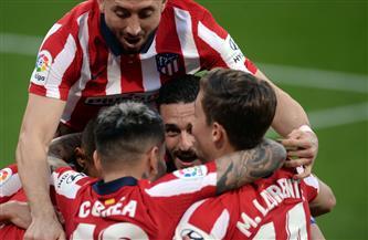 ثنائية سواريز تمنح أتليتكو التقدم بعشر نقاط في الدوري الإسباني