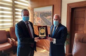 محافظ بورسعيد يستقبل سفير روسيا الاتحادية بالقاهرة   صور