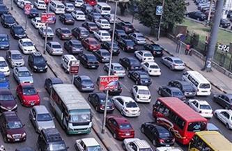 كثافات مرورية متوسطة بعدد من المحاور بالعاصمة