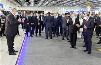يضم ٨ وزارات والبنك المركزي والعربية للتصنيع.. الرئيس السيسي يتفقد الجناح الحكومي |صور