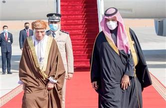 رئيس وفد عُمان المشارك بالقمة الخليجية: ما تشهده الساحتان الإقليمية والدولية يستوجب تنسيق المواقف