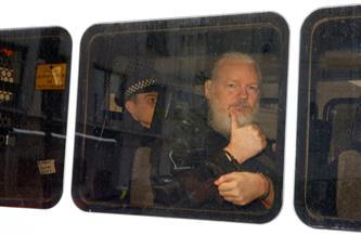القضاء البريطاني يرفض إطلاق سراح أسانج