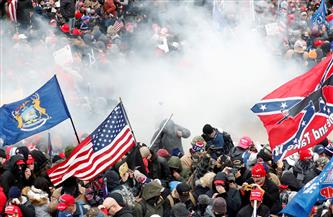 """""""فاينانشيال تايمز"""": الديمقراطيات الغربية مذهولة بصور الاضطرابات في واشنطن"""