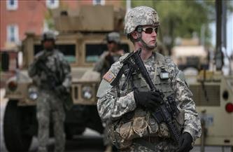 الجيش الأمريكي يقيم سياجًا حول مبنى الكابيتول ويحشد المزيد من قوات الحرس الوطني