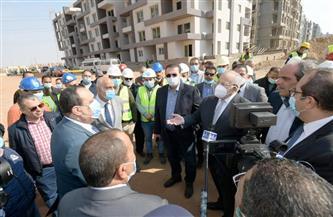 رئيس جامعة القاهرة: إنجاز مدينة كاملة 425 عمارة بمشروع إسكان الجامعة| صور