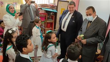 محافظ-شمال-سيناء-يتابع-سير-العملية-التعليمية-بالعريش- -صور