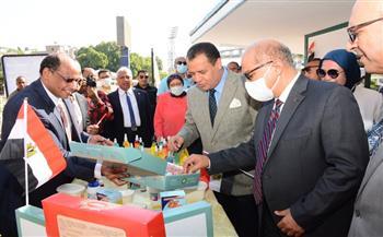 رئيس-جامعة-أسيوط-يفتتح-منفذ-بيع-منتجات-شركة-السكر-والصناعات-التكاملية-|-صور